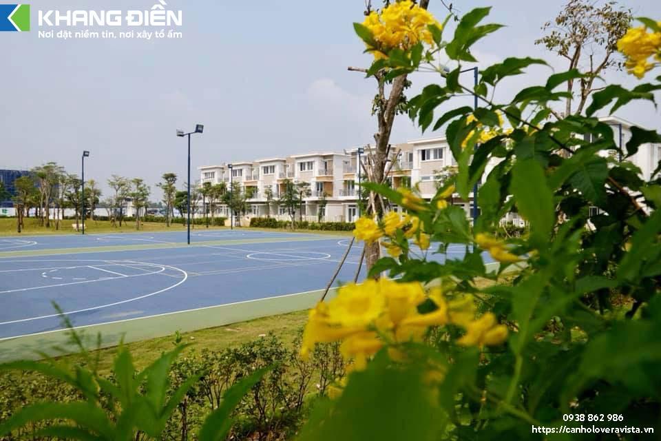 Sân Tenis Tại Công Viên Lovera Park